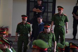 Cáo trạng lật chiêu trò 'chống lưng' của ông Phan Văn Vĩnh, Nguyễn Thanh Hóa