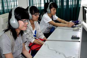 Để sinh viên không còn 'ngại' ngoại ngữ