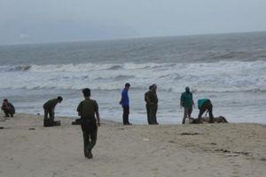 Đi đánh cá, tá hỏa phát hiện thi thể cô gái trẻ trên bờ biển