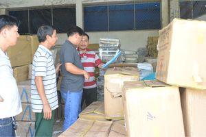 Bắt xe tải vận chuyển hàng trái phép từ Campuchia về Việt Nam