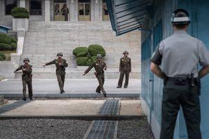 Triều Tiên gỡ mìn tại giới tuyến