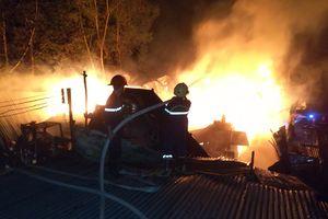 Cháy cơ sở sản xuất gỗ