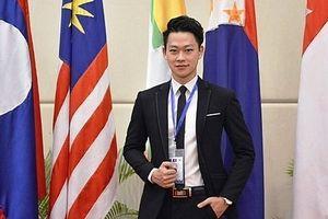 Chàng thủ khoa Hà Nội nhận cùng lúc 5 học bổng du học