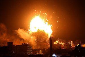 Israel dội bom xuống đài truyền hình của phong trào Hamas