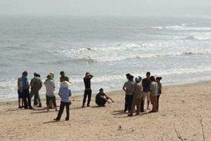 Nghệ An: Phát hiện thi thể cô gái bên bờ biển