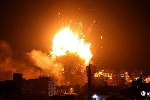 Israel dội bom đạn liên tiếp xuống dải Gaza sau vụ Hamas phóng 300 rocket