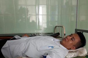Nhân viên y tế hiến máu cứu sản phụ vẫn bị gia đình chửi 'sấp mặt'
