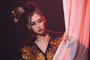 Hoa hậu Tiểu Vy hát 'Lạc trôi' của Sơn Tùng M-TP trong phần thi tài năng tại Miss World 2018