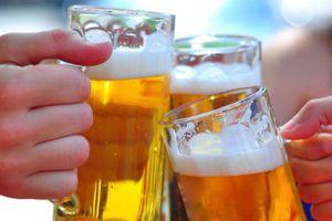 Clip: 'Bật mí' lý do khiến phụ nữ nên hạn chế uống rượu bia hơn đàn ông