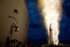 Chuyên gia Mỹ: tên lửa phòng không Standard Missile hơn hẳn S-300F Nga