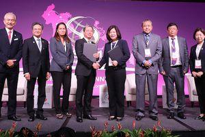 T&T Group cùng YCH (Singapore) trao biên bản ghi nhớ thành lập Trung tâm tăng trưởng thông minh