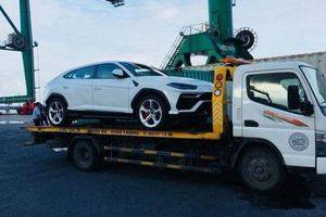 Siêu SUV nhanh nhất thế giới Lamborghini Urus vừa cập cảng Hải Phòng