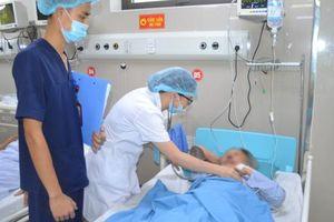 Cụ bà tai biến đột quỵ não được các bác sĩ 'hồi sinh' bằng mũi tiêm đặc biệt