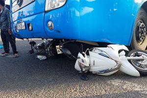 Đồng Nai: Xe khách ủi bay nhiều xe máy, làm nhiều người bị thương