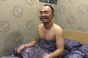 Sáng thức giấc, Thu Trang sợ giật bắn người khi thấy Tiến Luật quấn chăn và hành động kỳ lạ