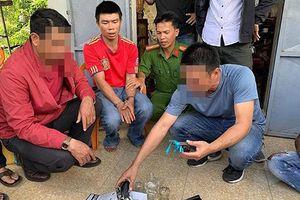 Đắk Lắk: Bị bắt vì bán ma túy và tàng trữ vũ khí trong nhà