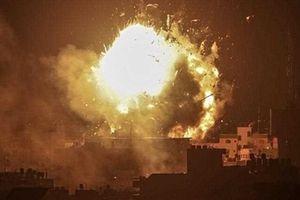 Israel dội hàng trăm quả tên lửa, san phẳng nhiều khu vực ở Dải Gaza
