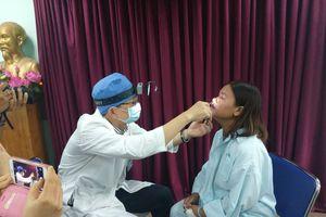 Viên đạn xuyên vào mắt người phụ nữ ở Lâm Đồng