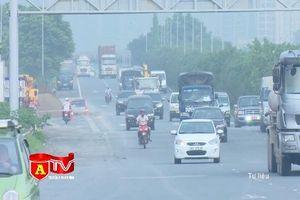 Xử lý tình trạng xe máy đi vào làn đường ô tô trên Đại lộ Thăng Long