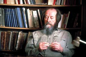 Nhà văn Nga Aleksandr Solzhenitsyn: Tài năng không phụng sự Tổ quốc?