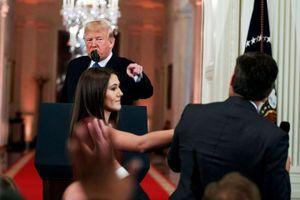 CNN kiện Tổng thống Trump vì cấm nhà báo tác nghiệp