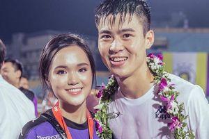 Bạn gái cầu thủ dự AFF Cup: Từ xinh đẹp, dịu dàng đến gợi cảm, cá tính