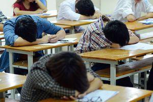 Sinh viên học 9 năm vẫn không tốt nghiệp có bị đuổi?