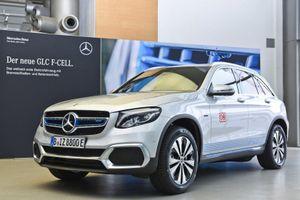 Mercedes ra mắt xe chạy bằng hydro, chỉ cho thuê chứ không bán