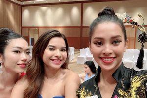 Tiểu Vy vào vòng 2 tài năng Miss World nhờ hát 'Lạc trôi' của Sơn Tùng