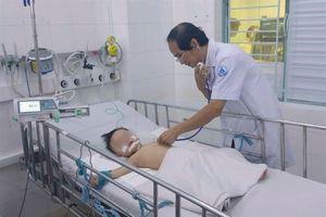 Cứu sống 2 bệnh nhân nhi mắc tay chân miệng nặng độ 4