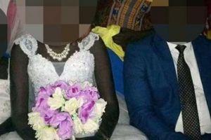 'Cô dâu trinh nữ' được bán trên Facebook với giá 500 con bò, 3 ôtô, 7.500 bảng
