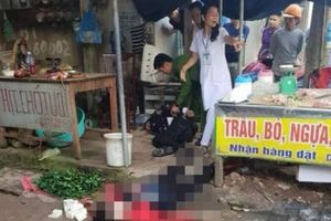 Kinh hoàng: Cô gái bán đậu bị bắn 3 phát, đâm chết giữa chợ