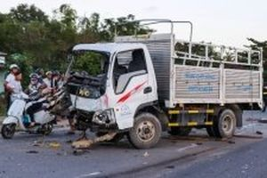 Khởi tố vụ tai nạn liên hoàn gây chết người ở Quảng Nam
