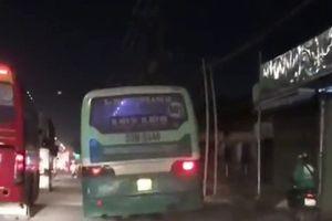 Xử phạt xe buýt leo vỉa hè, phóng bạt mạng ở TP HCM