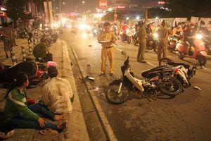 Hiện trường ô tô 'điên' tông nhiều xe máy, 5 người thương vong ở TP.HCM