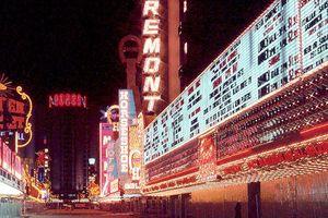Ngỡ ngàng khung cảnh ban đêm ở Las Vegas thập niên 1970