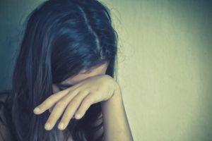 Bắt giam cha dượng nhiều lần cưỡng hiếp con riêng 5 tuổi của vợ