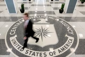 Nghi vấn CIA từng định dùng 'chân dược'