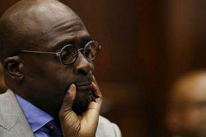 Bộ trưởng lộ clip 'nóng' với vợ ở Nam Phi từ chức