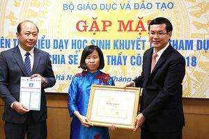Bộ GD&ĐT tặng bằng khen 48 giáo viên tiêu biểu dạy trẻ khuyết tật