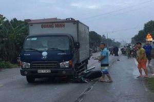 Nam sinh viên tử vong sau va chạm với xe tải