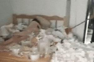 Xuất hiện cao thủ ở bẩn, rác trong phòng ngủ ngập bằng đầu khiến người khác xem chỉ biết lắc đầu vì 'choáng'