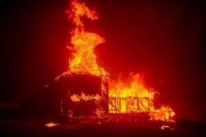 Cháy lớn tại California: Lính cứu hỏa tiếp tục tìm kiếm người thiệt mạng