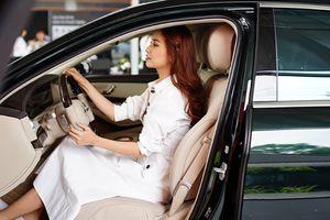 Bích Phương mạnh tay chi hơn 4 tỷ mua xe sang có màu độc nhất vô nhị tại Việt Nam