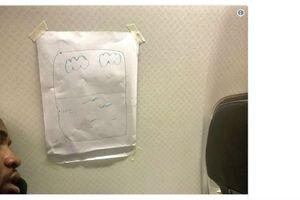 Nam hành khách khó tính đòi ngồi cạnh cửa sổ trên chuyến bay và cách giải quyết 'bá đạo' của nữ tiếp viên hàng không