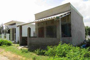 Bình Định: Khu tái định cư di dãn dân vùng ngập lũ triều cường Huỳnh Giản cỏ mọc um tùm, không điện, không nước