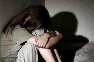 Ninh Thuận: 'Yêu râu xanh' cưỡng hiếp con gái của vợ nhiều lần