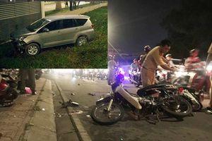 TP. HCM: Ôtô 7 chỗ tông hàng loạt xe máy, 1 người chết, nhiều người bị thương
