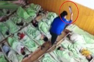 Không chịu ngủ trưa, trẻ mầm non bị cô giáo đánh vào đầu