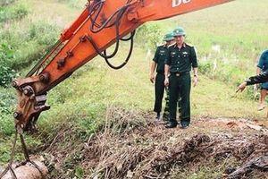 Nghệ An: Quả bom 'khủng' nặng 300kg dưới kênh tiêu nước